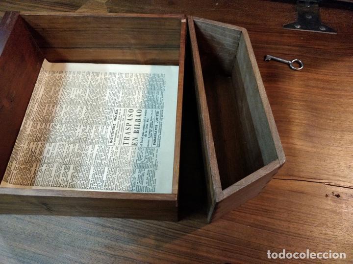 Antigüedades: Bargueño papelera Salmantino con herrería original S.XVI/XVII dos piezas. - Foto 54 - 154493005