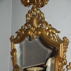 Antigüedades: PRECIOSO ESPEJO ANTIGUO DE MADERA TALLADA EN ORO FINO. Lote 148153850
