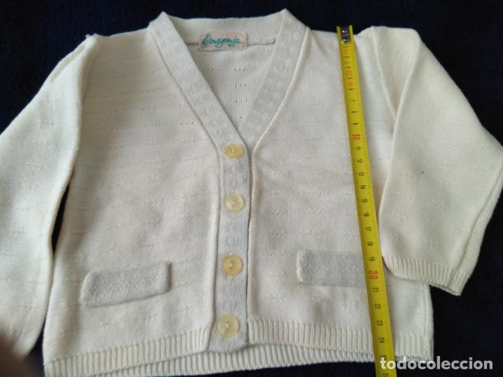 Antigüedades: Chaqueta infantil punto de algodón fino dibujo. Etiqueta Eugenia. 24 x 26 cm. años 1960 - Foto 2 - 148227190