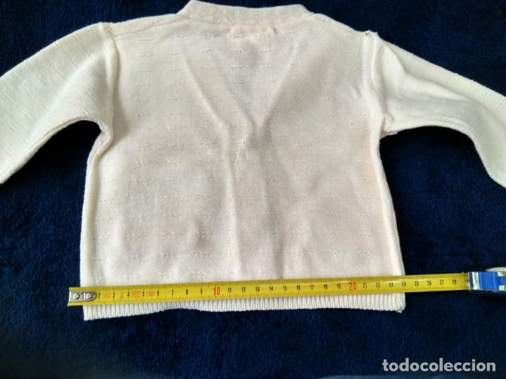 Antigüedades: Chaqueta infantil punto de algodón fino dibujo. Etiqueta Eugenia. 24 x 26 cm. años 1960 - Foto 3 - 148227190