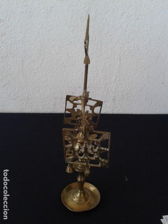 Antigüedades: PEQUEÑA LAMPARA DE ACEITE VELÓN DECORACION - Foto 3 - 147782454