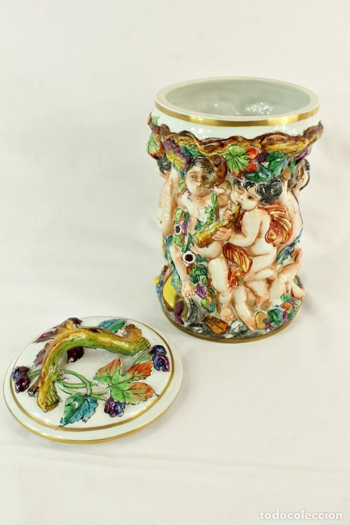 Antigüedades: Tibor Capodimonte. Escena de querubines en cuerpo,pan de oro mediados s XX - Foto 9 - 148421486