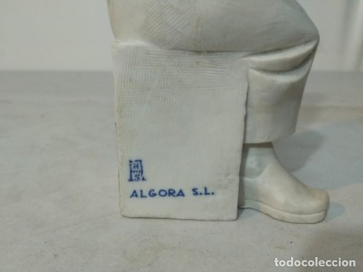 Antigüedades: Figura porcelana Algora, Hombre pintando cerámica - Foto 6 - 148490994