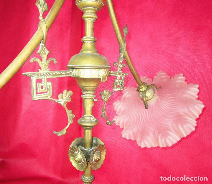 Antigüedades: ELEGANTE LAMPARA ISABELINA EN BRONCE Y OPALINAS IDEAL MESA SALON O BILLAR - Foto 5 - 148516586