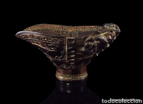 Antigüedades: Vieja Copa china de libación de cuerno tallado Dragones Chilong, máscara Taotie. Chinese Ox Horn Cup - Foto 5 - 148570313