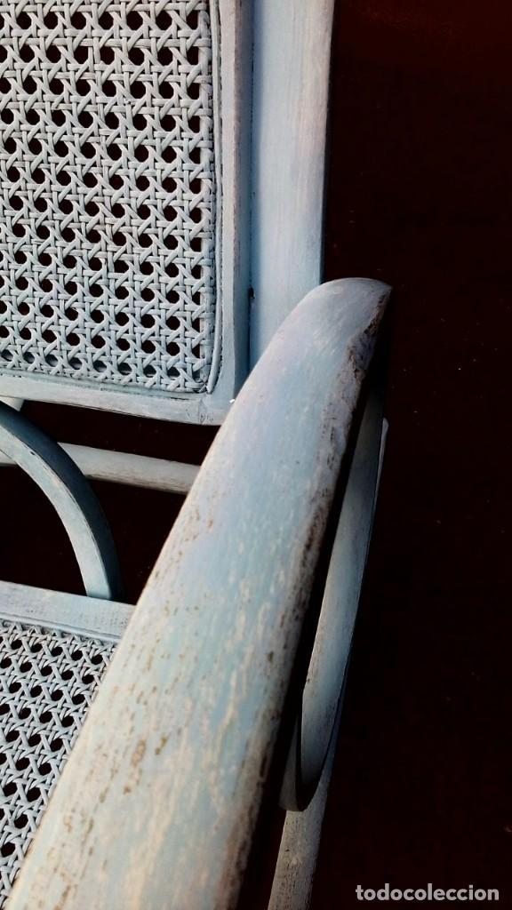 Antigüedades: Decorativo y fuerte balancín antiguo en decape - Foto 4 - 148603874