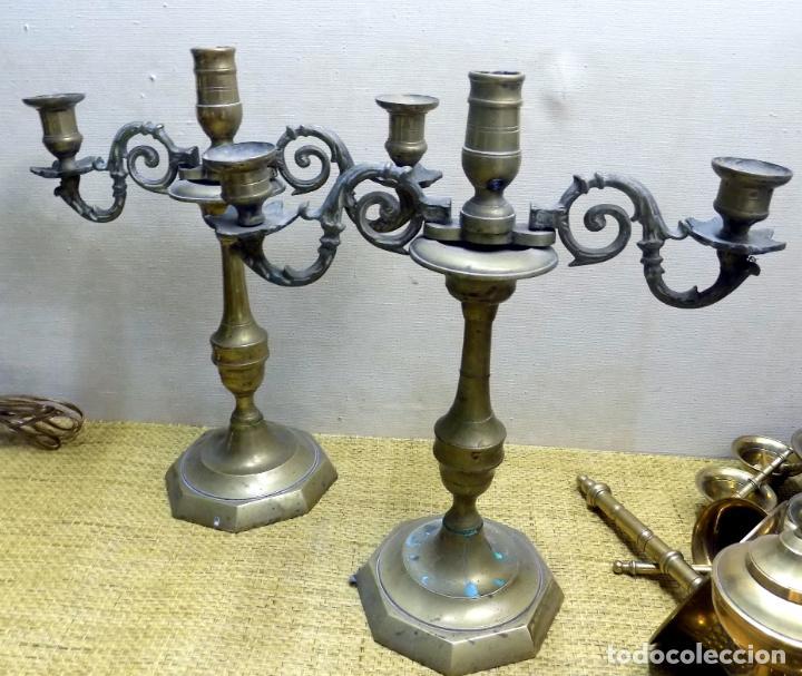 Antigüedades: pareja de antiguos candelabros, bronce 31 cm altura, buen estado - Foto 4 - 148624554