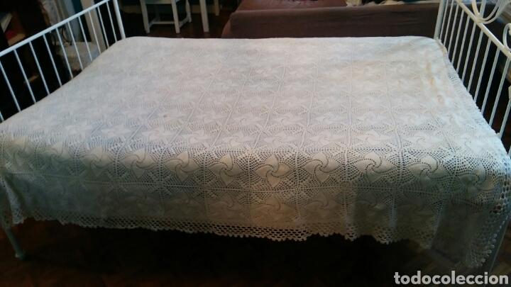 Antigüedades: Colcha o mantel grande de ganchillo - 240 x 210 cm - Foto 7 - 148631225