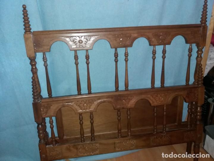 CABECERO Y PIECERO MADERA CASTELLANO (Antigüedades - Muebles Antiguos - Camas Antiguas)