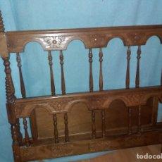 Antigüedades: CABECERO Y PIECERO MADERA CASTELLANO. Lote 148666494