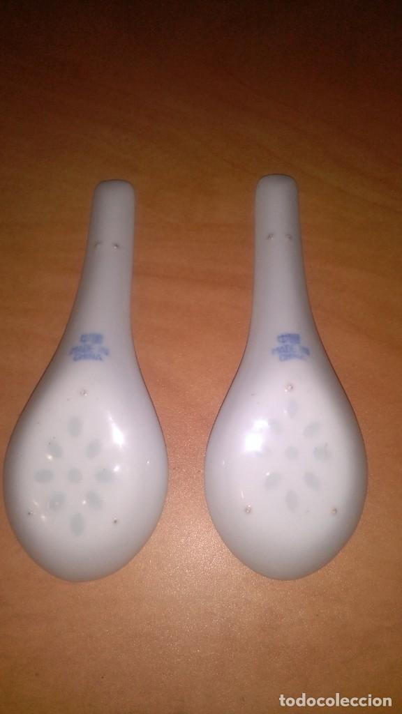 Antigüedades: 2 cucharas porcelana, granos de arroz - Foto 3 - 148672366