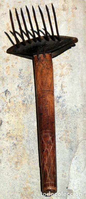 Antigüedades: ANTIGUO Y BONITO CARDADOR DE LANA - ARTE POPULAR - MADERA TALLADA - HIERRO Y ASTA - PIEZA COLECCIÓN - Foto 7 - 148680594
