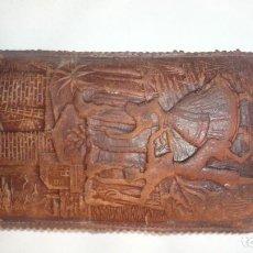 Antigüedades: FUNDA DE GAFAS DE PIEL LEGITIMA CON BONITAS FILIGRANAS. Lote 148684646