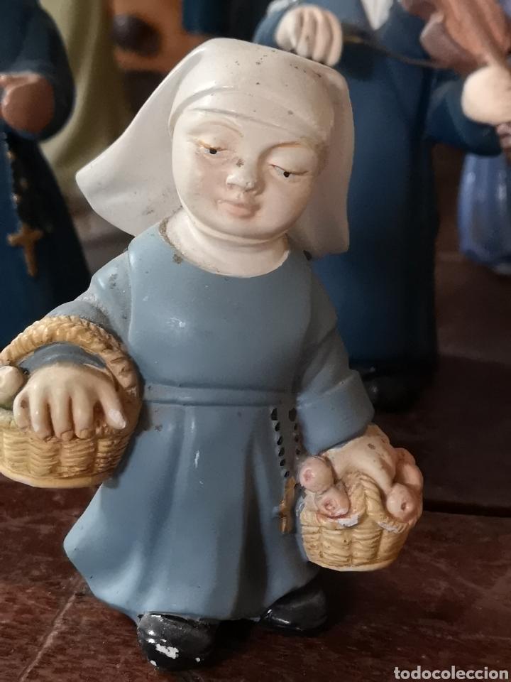Antigüedades: Gran colección de figuras de monjas, diferentes épocas, material... de 4 a 15cm de altura - Foto 2 - 148691578