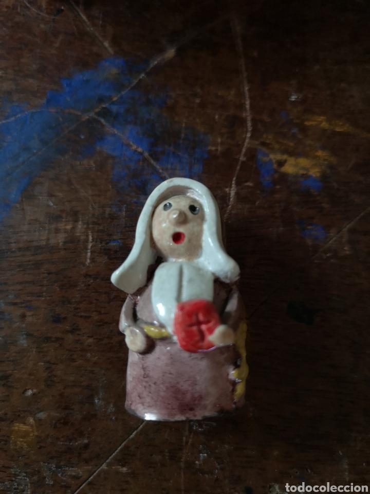 Antigüedades: Gran colección de figuras de monjas, diferentes épocas, material... de 4 a 15cm de altura - Foto 3 - 148691578