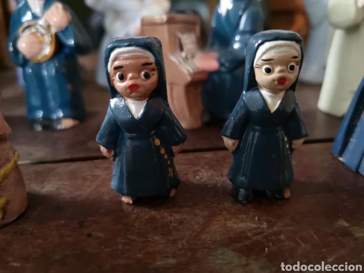Antigüedades: Gran colección de figuras de monjas, diferentes épocas, material... de 4 a 15cm de altura - Foto 4 - 148691578