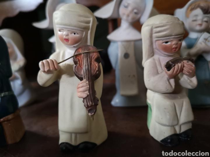 Antigüedades: Gran colección de figuras de monjas, diferentes épocas, material... de 4 a 15cm de altura - Foto 6 - 148691578