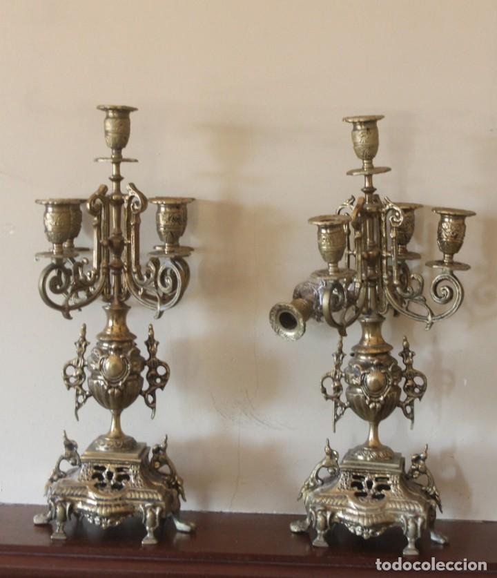 MAGNIFICA PAREJA DE ANTIGUOS ENORMES CANDELABROS DE BRONCE PARA CINCO VELAS (Antigüedades - Iluminación - Candelabros Antiguos)