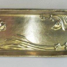 Antigüedades: BANDEJA DESPOJADOR BAÑO DE PLATA ÉPOCA MODERNISTA NUMERADA S XIX . Lote 148731474