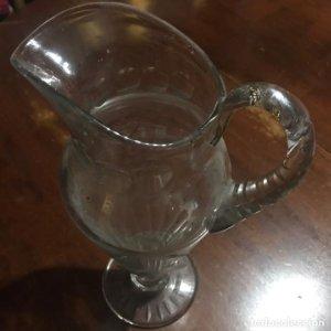 Antigua jarra de cristal 30cm de altura
