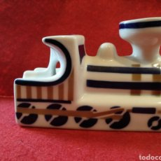 Tren Cenicero de porcela SAGARDELOS ,
