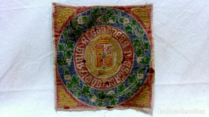 TELA PROFUSAMENTE BORDADA CON LEMA COMISARÍA ALGODONERA DEL ESTADO. AÑOS 20 O 30. (Antigüedades - Hogar y Decoración - Tapices Antiguos)