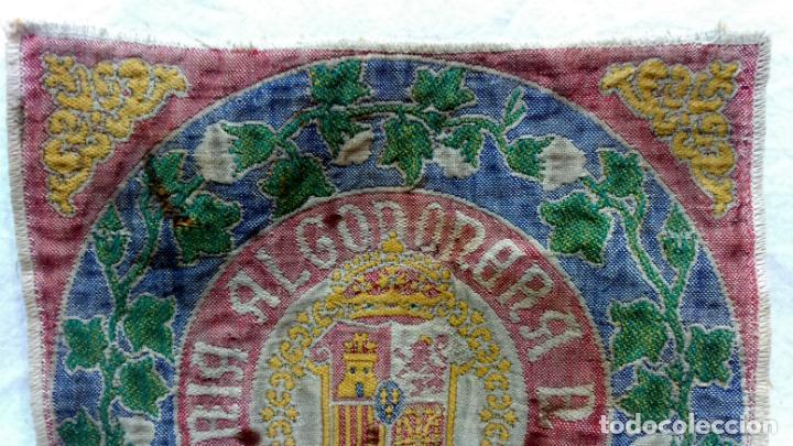 Antigüedades: TELA PROFUSAMENTE BORDADA CON LEMA COMISARÍA ALGODONERA DEL ESTADO. AÑOS 20 O 30. - Foto 2 - 148767214