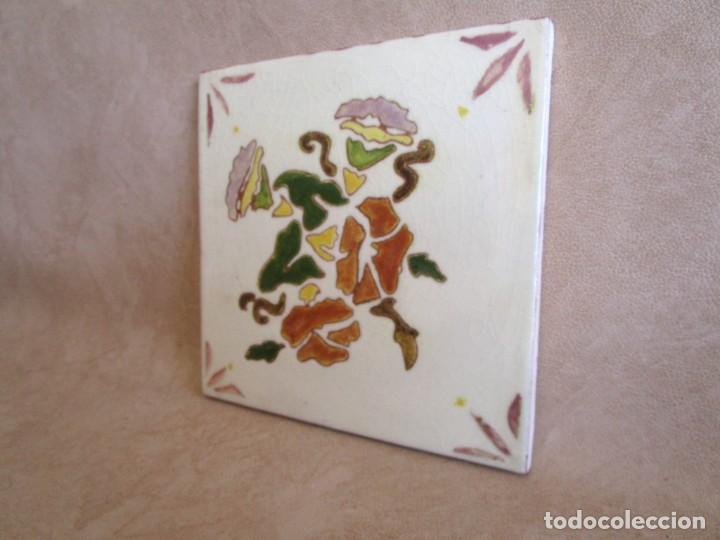 Antigüedades: baldosa firmada por m coll b 15 cm x 15 cm - Foto 3 - 148777990
