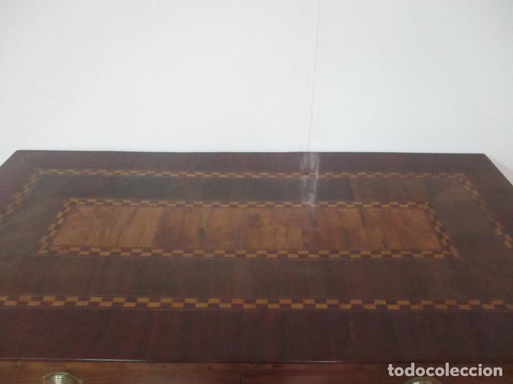 Antigüedades: Cómoda Carlos IV - Madera Nogal, Caoba, Olivo y Marquetería - Finales S. XVIII - en Perfecto Estado - Foto 16 - 148911142