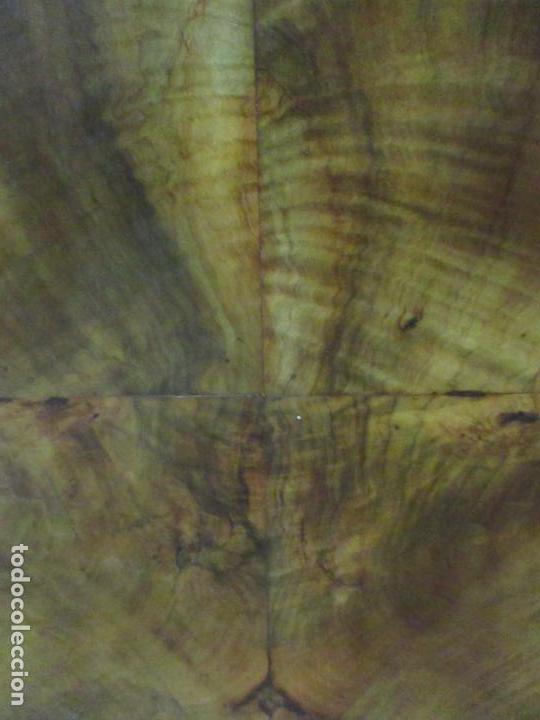 Antigüedades: Cómoda Carlos IV - Madera Nogal, Caoba, Olivo y Marquetería - Finales S. XVIII - en Perfecto Estado - Foto 29 - 148911142