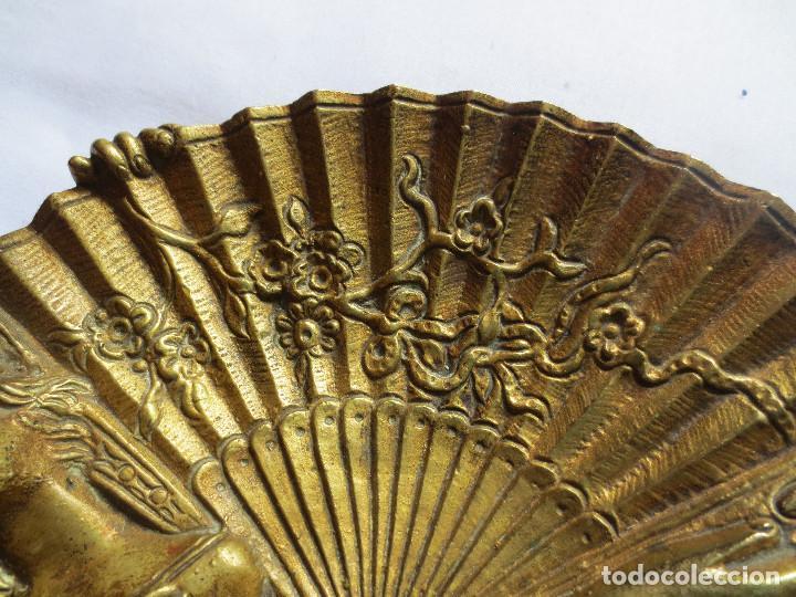 Antigüedades: CENICERO MODERNISTA EN BRONCE - MUJER CON ABANICO - Foto 4 - 148913878