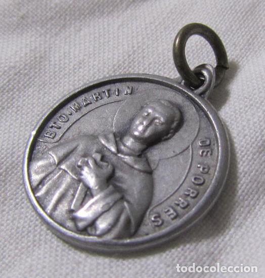 Antigüedades: Medalla con reliquia textil Beato Martín de Porres - Foto 2 - 148976926