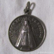 Antigüedades: MEDALLA DE PLATA VIRGEN DE LA SOLEDAD. Lote 148977822