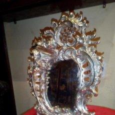 Antigüedades: ANTIGUO ESPEJO SOBREMESA EN BRONCE CON BAÑO DE PLATA. Lote 148992042