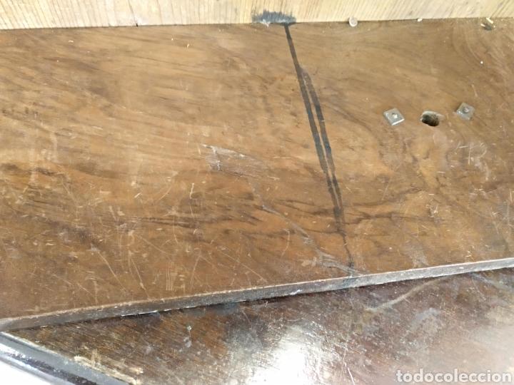 Antigüedades: COMODA EN MADERA DE NOGAL DE BUENA FACTURA Y CALIDAD - Foto 2 - 148998329