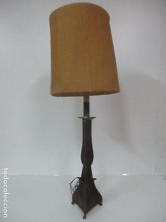 Antigüedades: Lámpara Candelabro Antigua - Hojalata Cincelada - Electrificada, Funciona - Candelabro S. XVIII - Foto 19 - 149015870