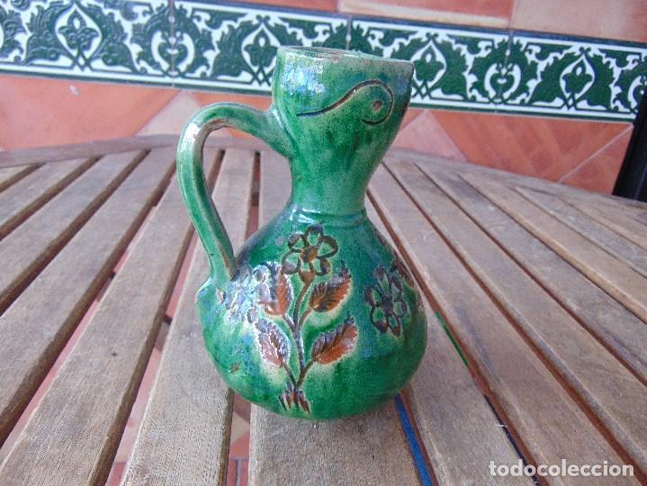 PEQUEÑO CANTARO JARRA EN CERAMICA VIDRIADA EN VERDE CON DECORACION DE FLORES TITO UBEDA (Antigüedades - Porcelanas y Cerámicas - Úbeda)