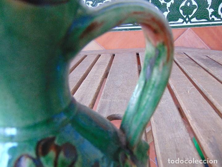 Antigüedades: PEQUEÑO CANTARO JARRA EN CERAMICA VIDRIADA EN VERDE CON DECORACION DE FLORES TITO UBEDA - Foto 5 - 149038450