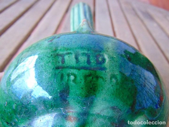 Antigüedades: PEQUEÑO CANTARO JARRA EN CERAMICA VIDRIADA EN VERDE CON DECORACION DE FLORES TITO UBEDA - Foto 10 - 149038450