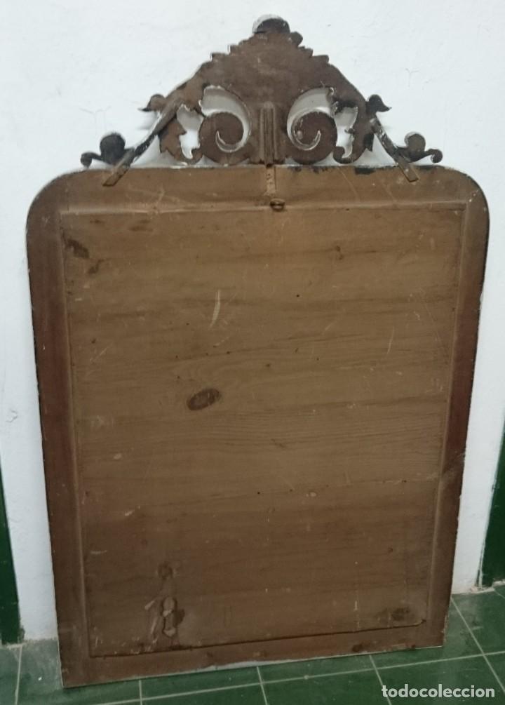 Antigüedades: Antiguo espejo isabelino pintado al estilo gustaviano. Pieza única y especial. Luna original.104x67 - Foto 4 - 149187578