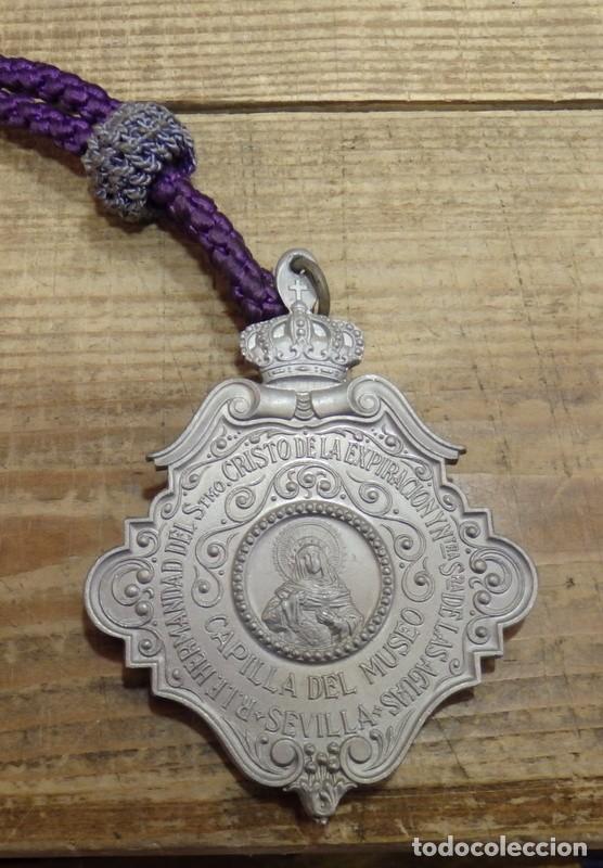 Antigüedades: SEMANA SANTA SEVILLA, MEDALLA CON CORDON, HERMANDAD DEL MUSEO - Foto 2 - 149216498
