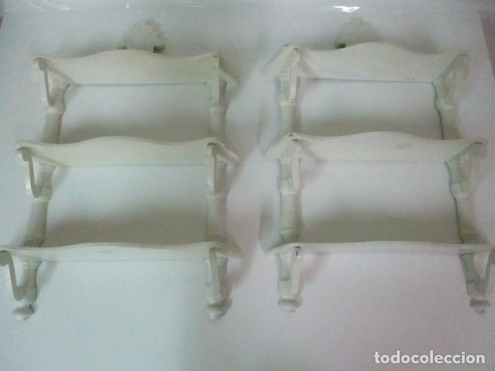Antigüedades: Pareja de Repisas - Estanterías Alfonsinas - Madera Torneada y Pintada - Finales S. XIX - Foto 5 - 149220678