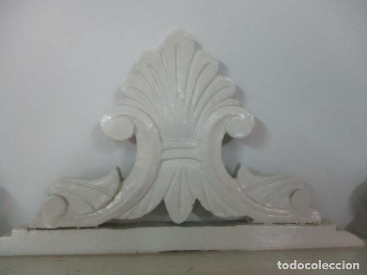 Antigüedades: Pareja de Repisas - Estanterías Alfonsinas - Madera Torneada y Pintada - Finales S. XIX - Foto 9 - 149220678