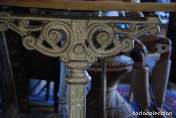 Antigüedades: MUY BONITA MESA DE HIERRO Y MÁRMOL SIGLO XIX - Foto 5 - 149223854