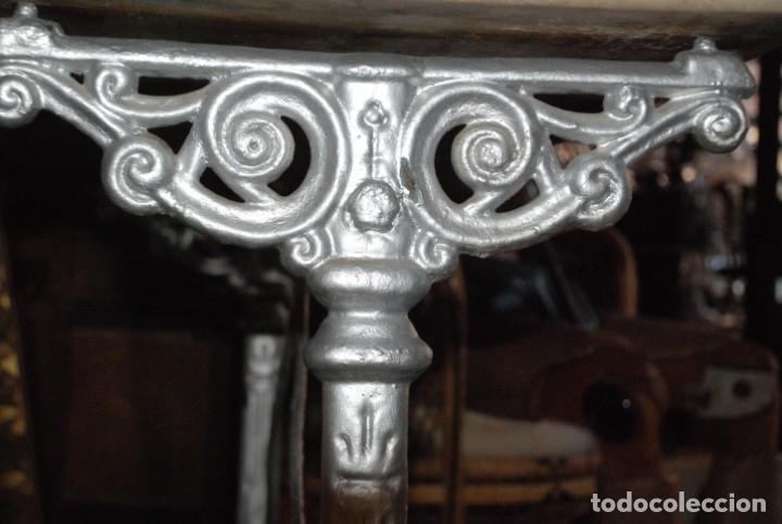 Antigüedades: MUY BONITA MESA DE HIERRO Y MÁRMOL SIGLO XIX - Foto 6 - 149223854