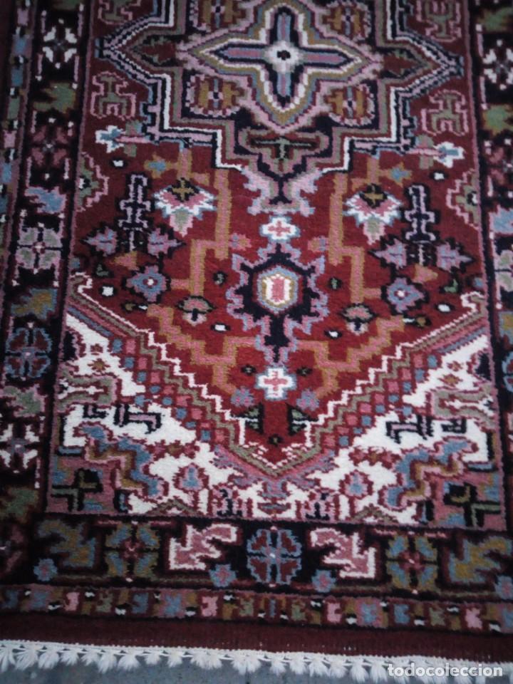 Antigüedades: Preciosa alfombra persa de pasillo hecha a mano lana pura,tonos rojizos. - Foto 3 - 149236966