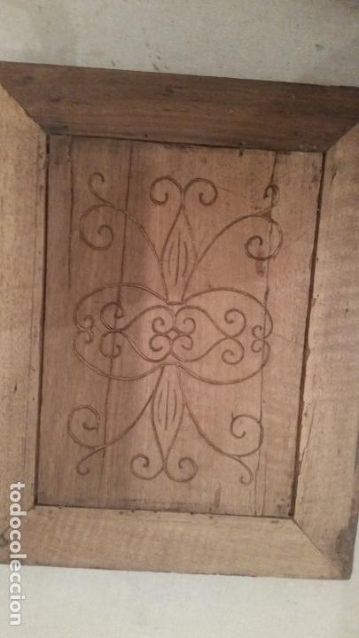 Antigüedades: Pareja de tablas grabadas. Motivos florales. Ajuar rural. Siglo XIX - Foto 2 - 149283666
