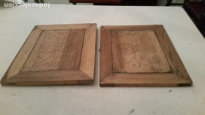 Antigüedades: Pareja de tablas grabadas. Motivos florales. Ajuar rural. Siglo XIX - Foto 3 - 149283666