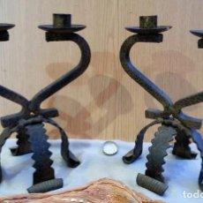 Antigüedades: CANDELABROS EN HIERRO. PAREJA. RÚSTICOS.BUEN ESTADO.. Lote 149312510