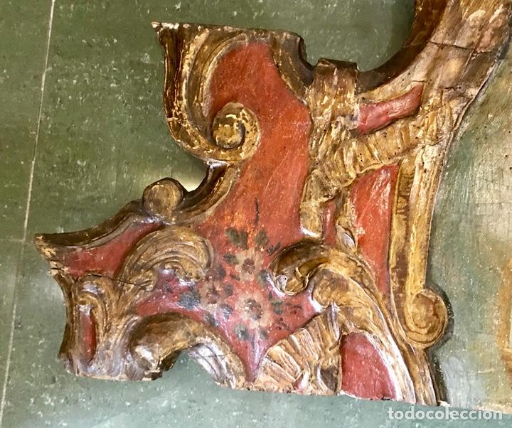Antigüedades: Cabezal, cabecero de cama tallado en madera, policromado y dorado. Inmaculada Concepción. Siglo XVII - Foto 6 - 149315373
